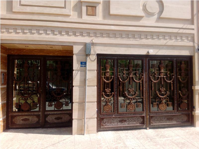 درب ورودی و پارکینگ ساختمان صوفیا - خورشید پارسیان
